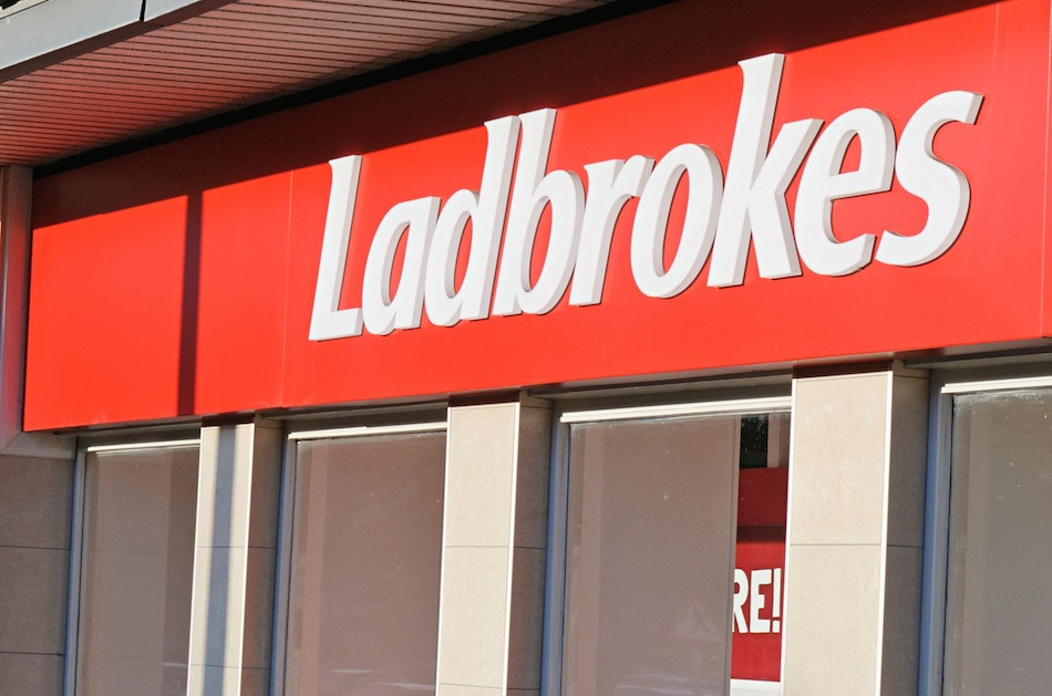 Ladbrokes and Playtech unveil new Live Casino
