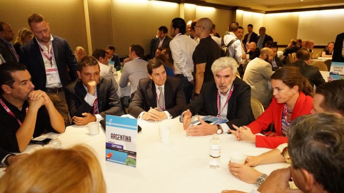 Juegos Miami Round Table