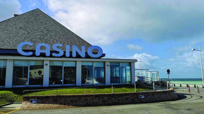 Fécamp casino licence renewal and reloction